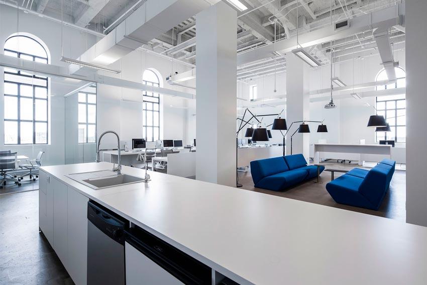 Interiorismo Comercial aplicado a zona de relax de las oficinas de una empresa.