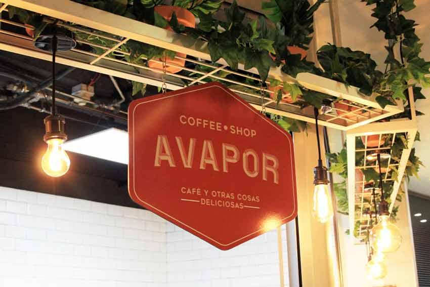 """Cafetería """"Avapor"""" antes de la reforma."""