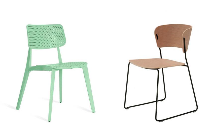 Dos sillas de acero y madera.