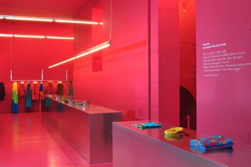 Utilización de los colores en una tienda de ropa.