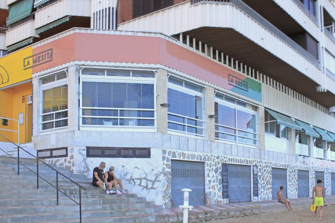 Vista general de la fachada del Restaurante Pizzeria La Mesita